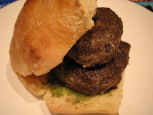 pesto-burger-300-x-225.jpg